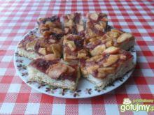 Ciasto drożdżowe z konfiturą i jabłkami