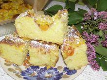 Ciasto drożdżowe z kurkumą i owocami