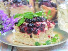 Ciasto drożdżowe z owocami leśnymi i żurawiną