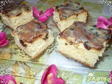 Ciasto drozdzowe z rodzynkami