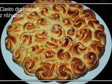 Ciasto drożdżowe z różyczek