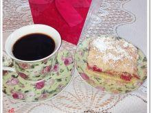 Ciasto Eli z rabarbarem, truskawkami i kruszonką