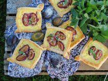 Ciasto francuskie ze śliwką