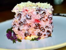 Ciasto galaretkowe z czekoladowym makaronem