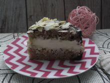 Ciasto gryczane z mlecznym kremem