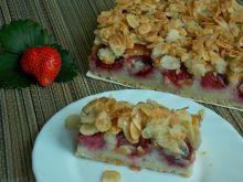 Ciasto jaglano-migdałowe z truskawkami
