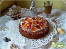 Ciasto jogurtowe z owocami i rabarbarem