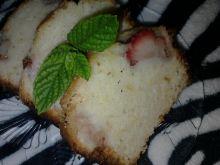 Ciasto jogurtowo-cytrynowe z truskawkami
