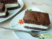Ciasto kakaowe z jogurtową masą