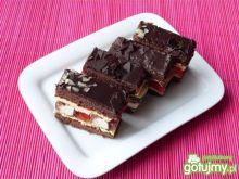 Ciasto kakaowe z masą i mleczną pianką