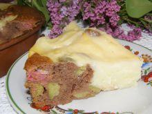Ciasto kakaowe z rabarbarem i budyniem