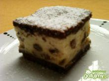 Ciasto kakaowe z serem i rodzynkami