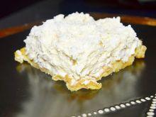 Ciasto karpatkowe z wiórkami kokosowymi