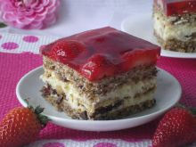 Ciasto kora dębu z truskawkami