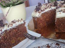 Ciasto marchewkowe z morelami