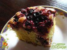 Ciasto maślankowe z czarnymi porzeczkami