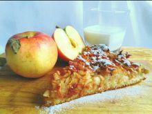 Ciasto maślano-drożdżowe z jabłkami