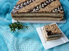 Ciasto miodowo-orzechowe