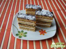 Ciasto miodowo-orzechowe z rumową masą