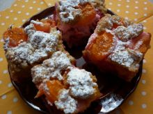 Ciasto morelowo - truskawkowo - marcepanowe