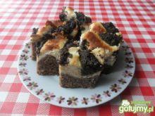 Ciasto piernikowe z serem i makiem
