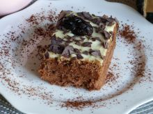 Ciasto z suszonymi śliwkami bez pieczenia