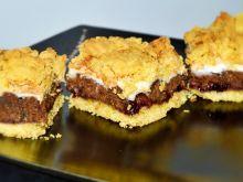 Ciasto pleśniak z daktylami i migdałami