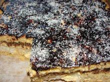 Ciasto przekładane z kokosem i orzechami