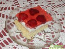 Ciasto śmietankowe z truskawkami