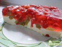 Ciasto śmietanowo-truskawkowe.