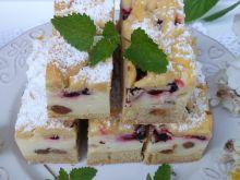 Ciasto styropian z jagodami i rodzynkami