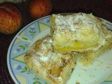 Ciasto sypane z brzoskwiniami