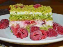 Ciasto szpinakowe z malinami (leśny mech)