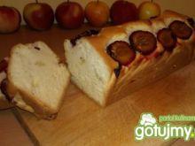 Ciasto z białek ze śliwkami i jabłkiem