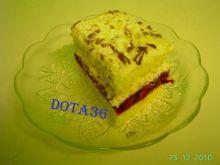 Ciasto  z bitą śmietaną i masą wiśniową