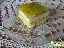Ciasto z brzoskwiniami i galaretką agres