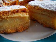 Ciasto z budyniem i piana białkową