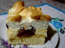 Ciasto z budyniem śliwkami i bezą