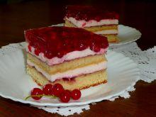 Ciasto z czerwonymi porzeczkami