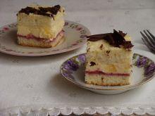 Ciasto z kremem ananasowym i malinowym musem