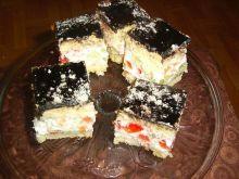 Ciasto z kremem śmietanowym i galaretką