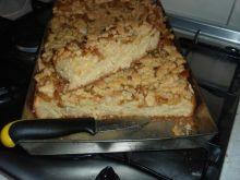 Ciasto z kruszonką i żółtymi śliwkami.