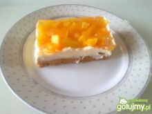 Ciasto z masą, owocami i galaretką
