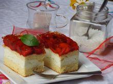 Ciasto z masa śmietanową i truskawkami