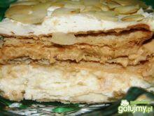 Ciasto z migdałami i bitą śmietaną