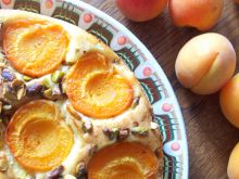 Ciasto z morelami i pistacjami