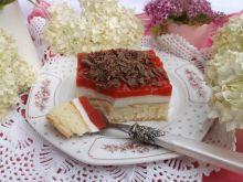 Ciasto z musem truskawkowym i jogurtową pianką