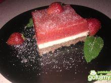 Ciasto z musem truskawkowym i pianką