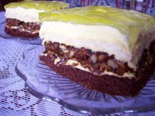 Ciasto z orzechową niespodzianką