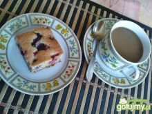 Ciasto z owocami i skórką cytryny
